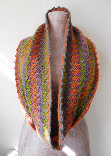 Crochet_snood_a_small2