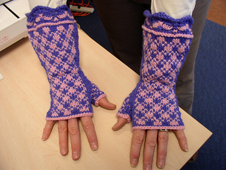 Spring_plaid_mitts_on_deb_small2
