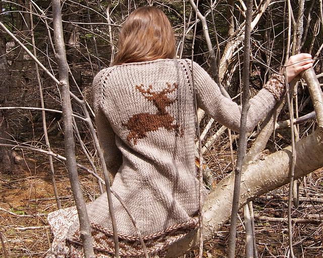 manteau tricoté cerf détail dos