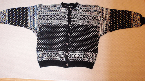 Knitting_001_medium