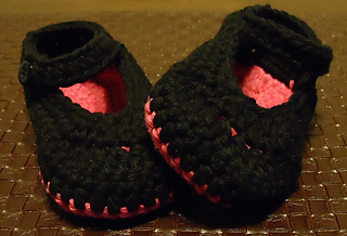 Black_pink_booties2_small2