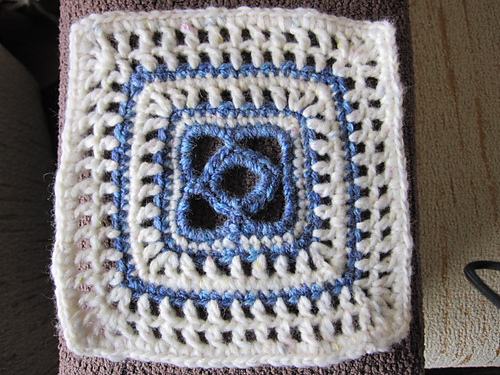A little green valley m s cuadros para mi manta - Mantas de crochet a cuadros ...