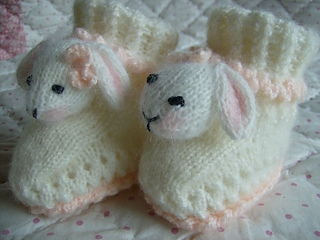 Bunny_bootees_good_small2