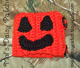 Jack_pumpkin_mug_hug_5_small2