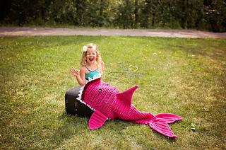 Pinky_shark_small2
