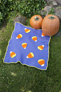 Halloween_candy_20corn_20blanket_small2