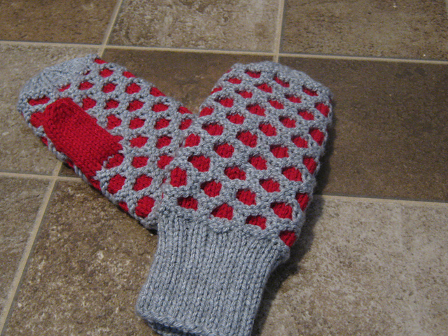 Knitting Pattern For Childs Newfie Mittens : Nanna PEI : finished knitting of 2012 so far