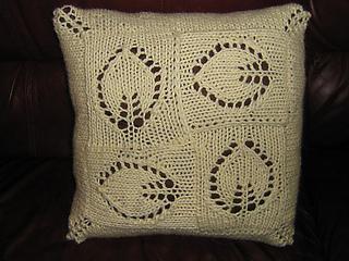 Pillow_012_medium_small2