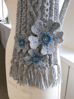 Flowerscarf_2_small2