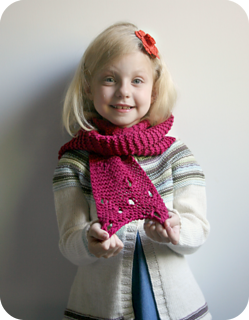 Annie_s_swiss_cheese_scarf_pattern_small2