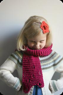 Swiss_cheese_scarf_pattern_2_small2