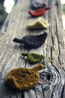 Little_leaves_on_railing_small2