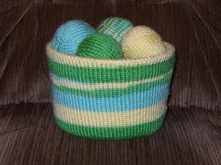 Brady_s_bucket_o__balls_1_march_2010_small2