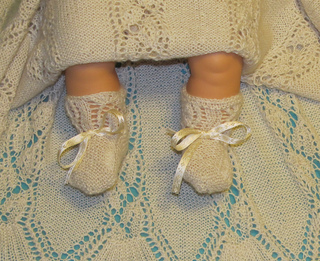 Dayflower_christening_gown_may_2012_006_small2