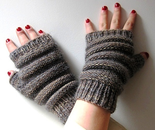 Prism_beehive_accordion_mitts_small2