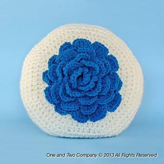 Big_flower_pillow_01_small2
