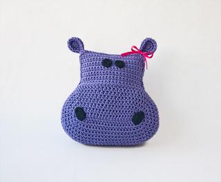 Hippo_pillow_01_small2