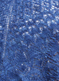 Lace_detail_blue_small2