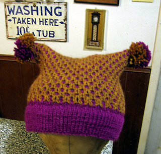 Honeycomb_hive_hat_done_small2