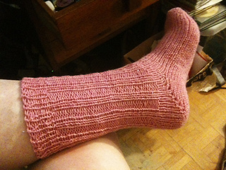 Deb_s_almost-easy_toe-up_sock_2_small2