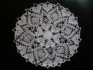 Hearts_crochet-a-long_doily_small2