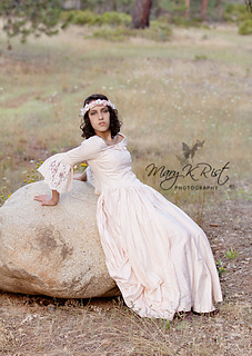 Mary_rist_dress2_small2