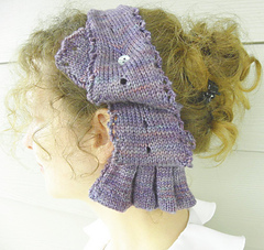 Elphie_and_hat_051_small