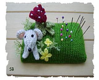 Pin_cushion_small2