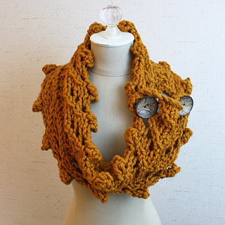 Bobbles_cowl_2b_small2