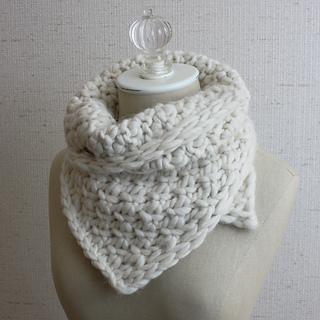 Snow_neckwarmer_5_small2