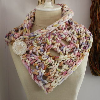 Maeve_cowl_1a_small2