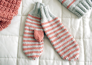 Knitted_mittens_small2