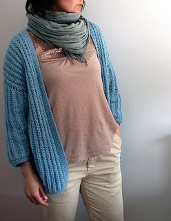 Knitted_cardigan_small2