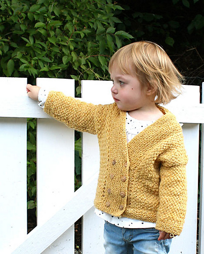 Cosy basket-cardigan by Anna & Heidi Pickles
