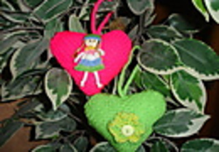 Two_knitted_hearts_a_thumb_1__small2