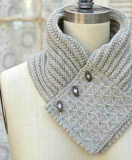 Quilted Lattice Ascot by Pam Powers