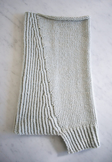 Structured-alpaca-cowl-flat-600-1_small2