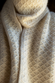 Trellis-scarf-600-1_small2