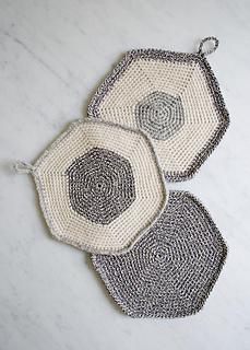 Set-of-three-pot-holders-600-14_small2