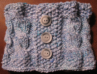 Cross_island_neckwarmer_small2