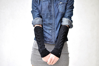 Cablearmwarmers_worn-14_small2