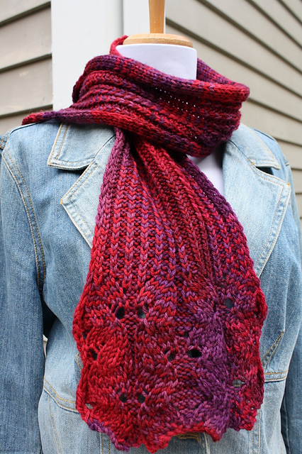 Knitting Patterns Scarf Free : All Knitted Lace: Free Pattern: Wine Flower Scarf
