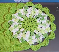 Green_garden_flower__640x564__small