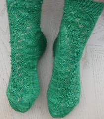 Climbing_mistletoe_socks_small