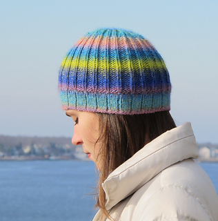 Gina_hat_img_3995_small2