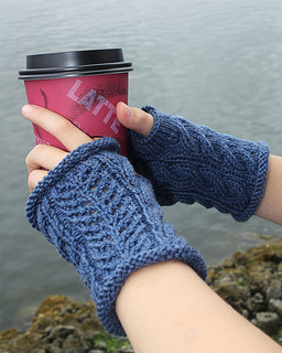 Mitts_with_cup_0004_1__small2