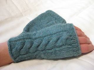 C2c_fingerless_mitts_small2