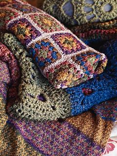 Granny_squares_throw_-_close_up_small2