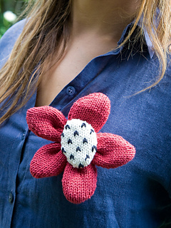 Poppy_20brooch_small2
