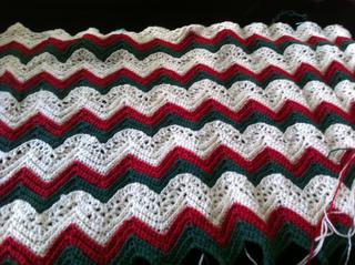 Christmas_crochet_afghan_small2